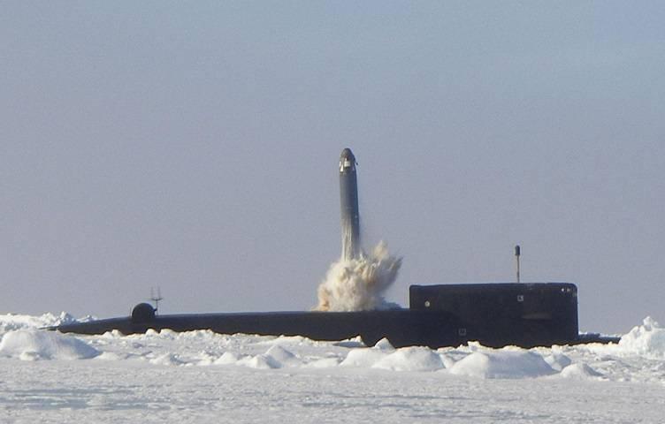 Оправдана ли ставка России на стратегические подводные ракетоносцы?