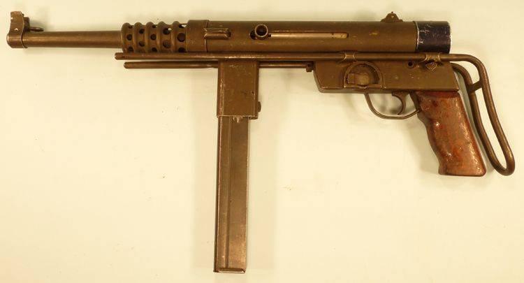सबमशीन बंदूक: कल, आज, कल। प्रसिद्ध की छाया में