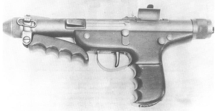 "Hafif makineli tüfek ""Uzi"" ve ""Mauser"" ve ""Erma"" a karşı"