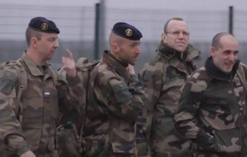 "British reservists sent to Estonia ""monitor"""