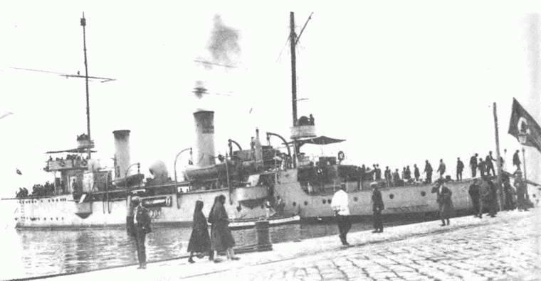 वर्ष के नोवोरोस्सिएक एक्सएनयूएमएक्स की दुखद बमबारी। 1914 का हिस्सा