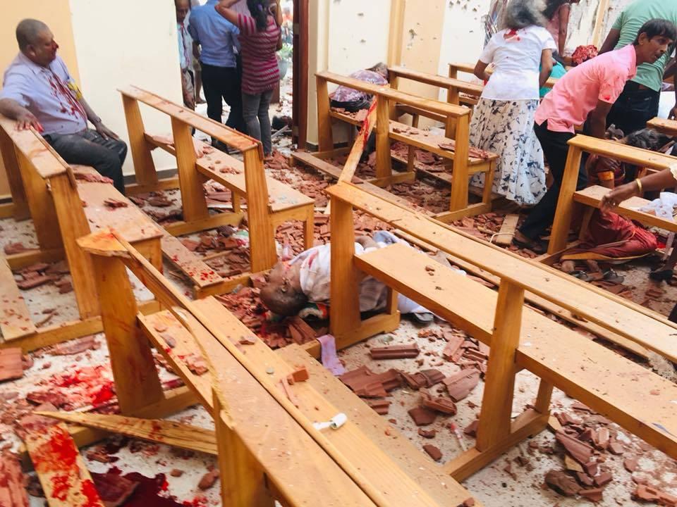 На Шри-Ланке волнения и ЧС но туристам спокойно
