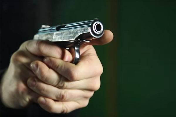 Пистолет Макарова - прост как лопата