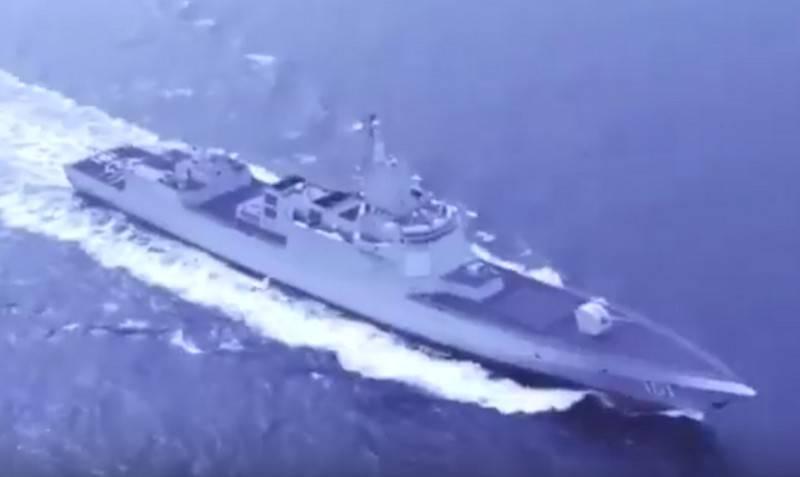Китай на параде в Циндао впервые показал новейший эсминец типа 055