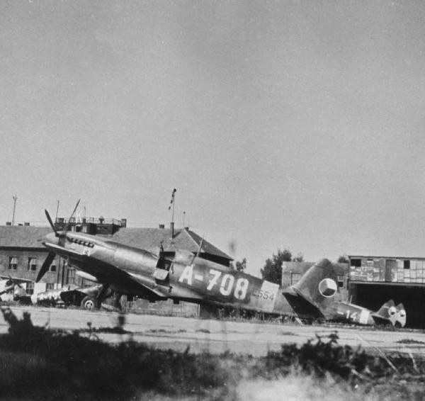 चेकोस्लोवाकिया के रक्षा। युद्ध के बाद के लड़ाकू विमान