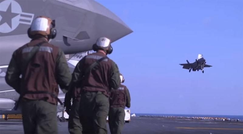 Dito sobre as razões para o descolamento prematuro do revestimento stealth no F-35