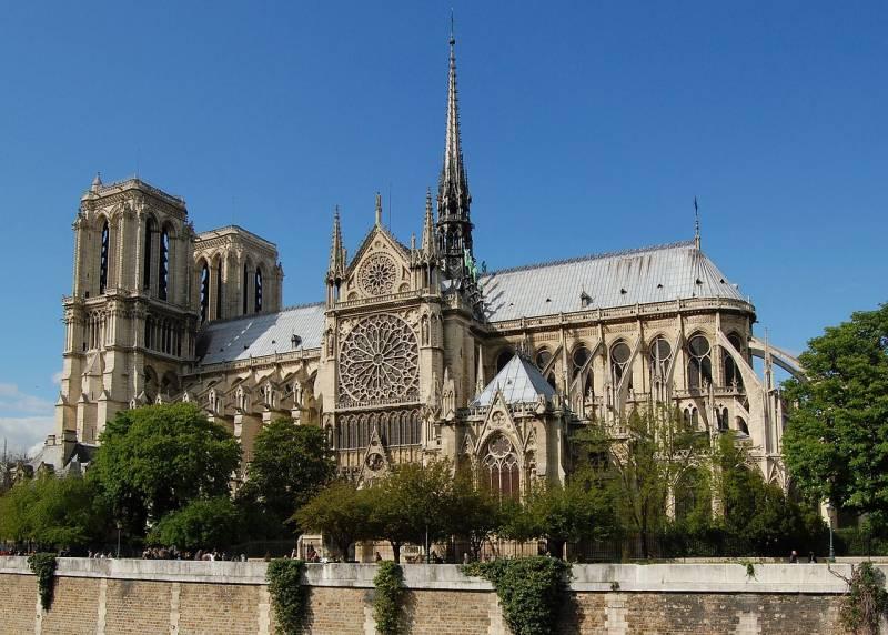Сгоревший собор Парижской Богоматери как символ гибели старой Европы