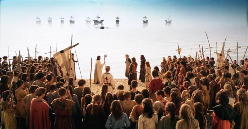 Кадр из фильма «Крестовый поход в джинсах», 2006 г. (о попавшем в 1212 год современном мальчике)