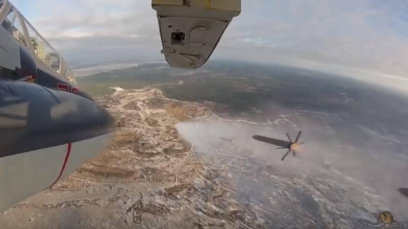 """指出了通过俄罗斯联邦国防部关于导弹的决定的时机""""穿甲弹"""