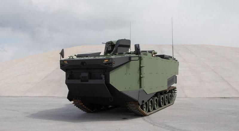 터키 사람들은 새로운 UDC를 위해 특별히 설계된 떠 다니는 BTR을 보여주었습니다.