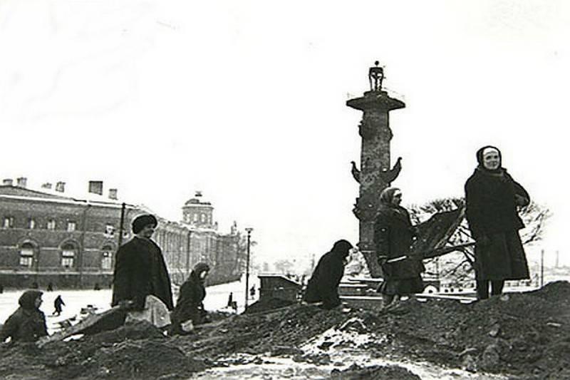 Российская писательница обвинила Сталина в блокаде Ленинграда