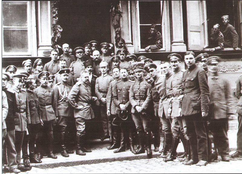 Как белые прорывались к Петрограду