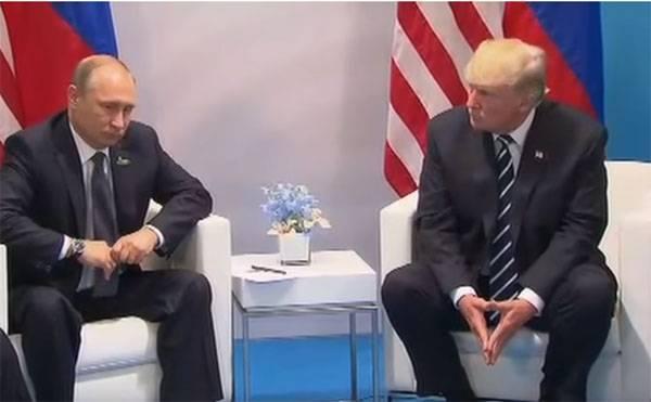 Тиллерсон заявил, что Путин поставил Трампа в невыгодное положение в Гамбурге