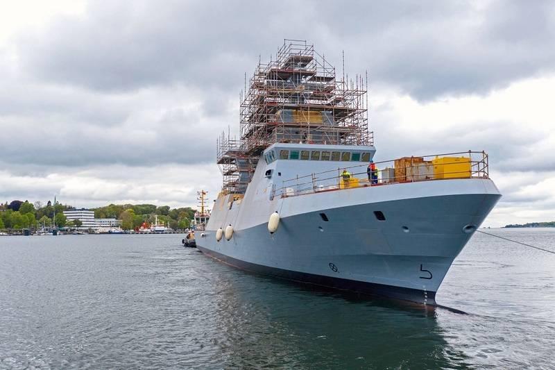 В Германии спущен на воду головной корвет проекта Saar 6 для ВМС Израиля