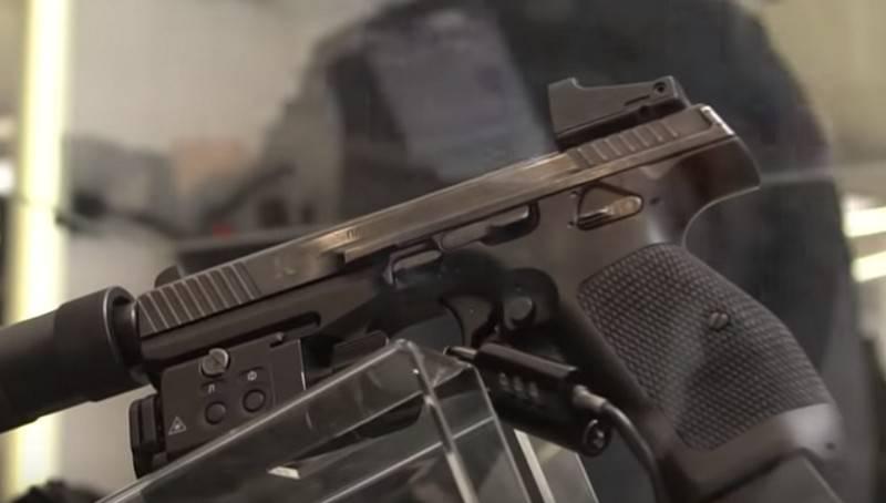 Росгвардия намерена заменить пистолет Макарова и РПК-74