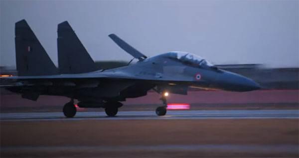 В Индии Су-30МКИ применили для испытания 500-кг управляемой авиабомбы