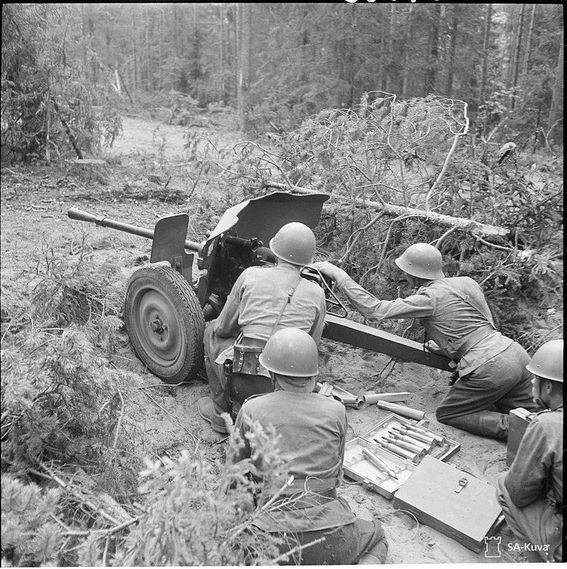 제 2 세계의 무기. 초기 기간의 대전차포