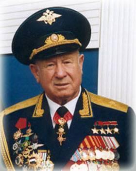 https://topwar.ru/uploads/posts/2019-05/1559110182_leonov_2.jpg