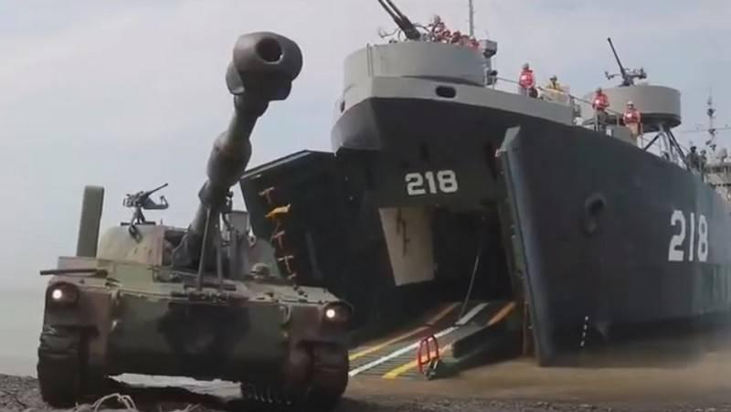 Тайвань провел учения по отражению военного нападения НОАК