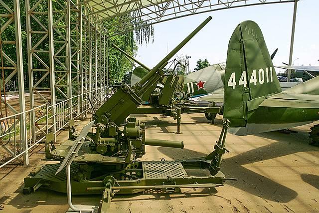 दूसरी दुनिया के हथियार। लघु-कैलिबर एंटी-एयरक्राफ्ट आर्टिलरी