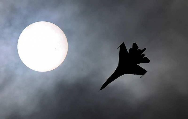 Кто столкнул лбами Су-35С и J-31 «Кречет»? Туманная сделка обрастает подробностями