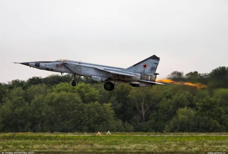 МиГ-25 истребитель-перехватчик установивший много мировых рекордов