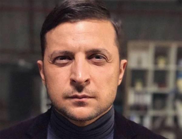 Зеленский через пресс-секретаря прокомментировал снос бюста маршала Жукова