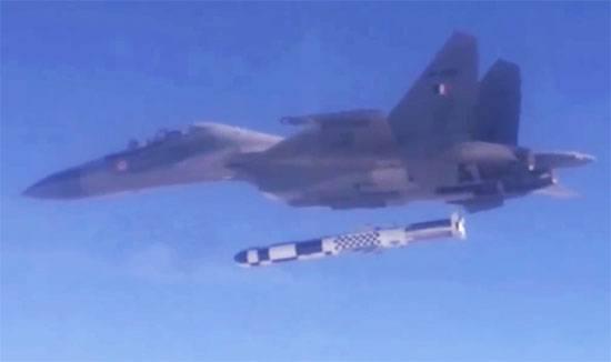 Força Aérea Indiana decidiu armar 40 Su-30MKI com foguetes BrahMos-A
