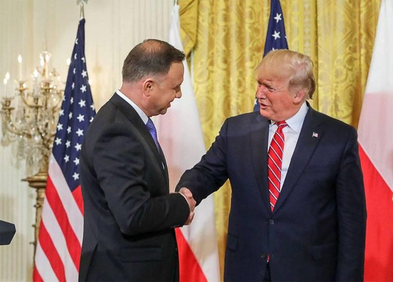 Президент Польши: В отличие от русских смелые поляки сражаются до конца