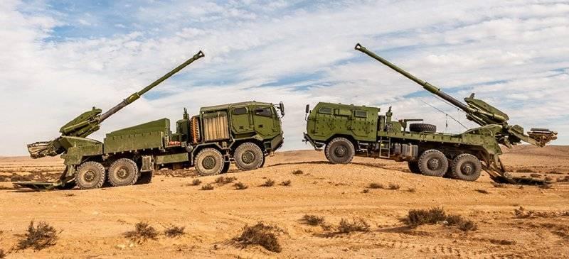 이것은 당신이 사막에서 운전하는 것이 아닙니다! 자체 추진 포병은 다시 한번 서구에서 인기를 얻고있다.