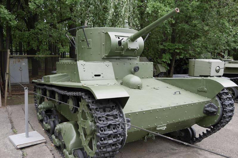 Savaş öncesi dönemde SSCB'nin hafif tankları