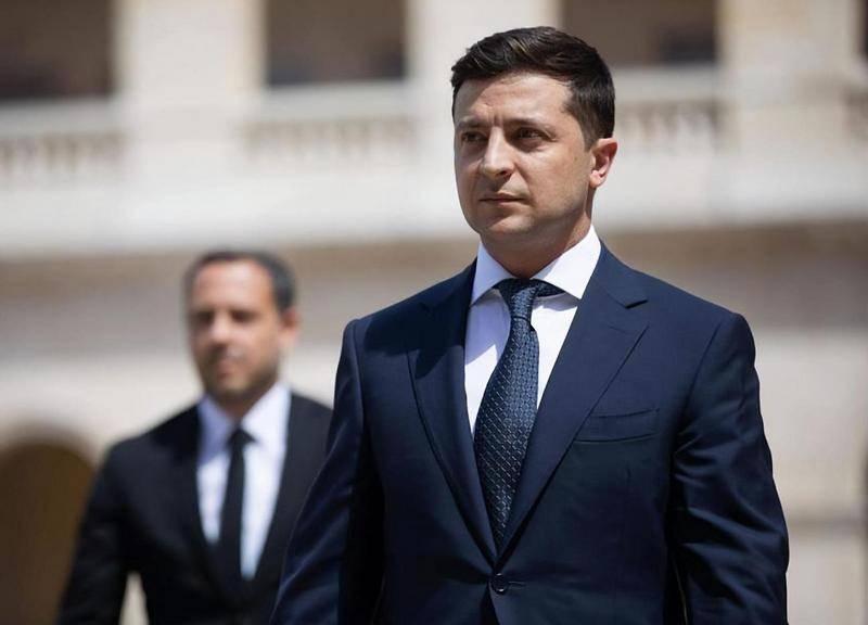 Зеленский предложил Путину провести переговоры по Донбассу и Крыму