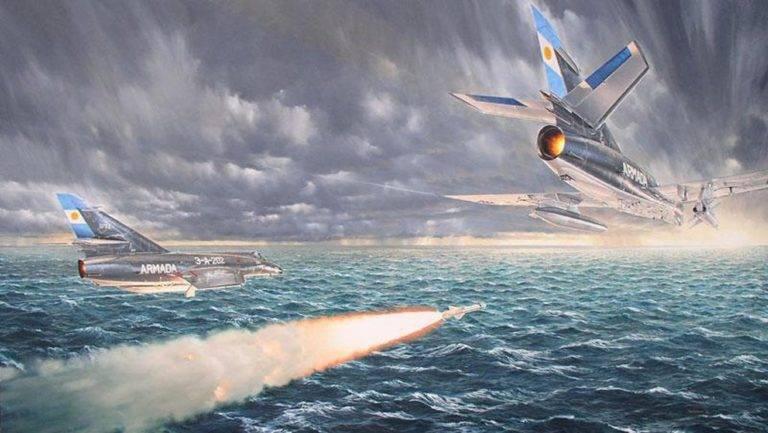 Navi di superficie contro l'aereo. Era del razzo