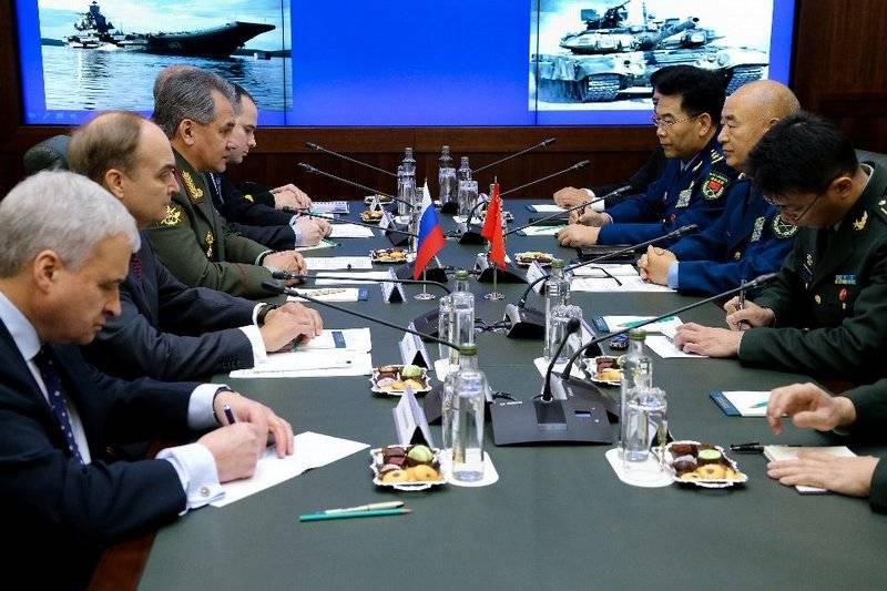 Россия и Китай планируют подписать соглашение о военном сотрудничестве