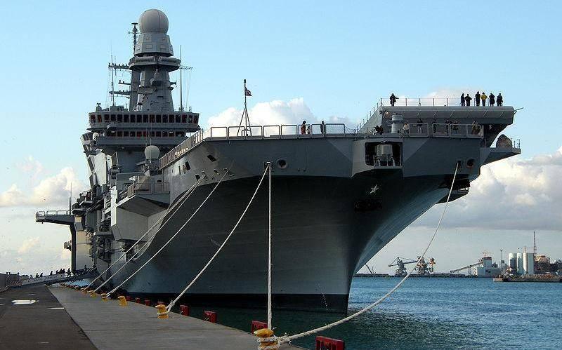 """İtalyan uçak gemisi """"Cavour"""", F-35B savaşçılarına yükseltilecek"""