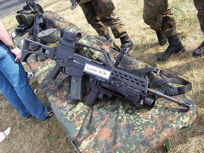 हथियार निर्माता। जर्मनिक क्लोन AR-15 और AR-18