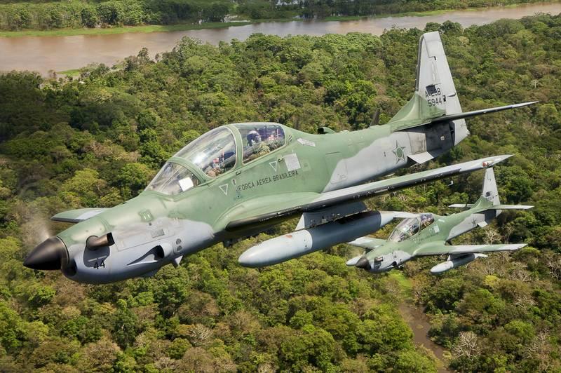 Ucrânia pretende adquirir aeronave de ataque turboélice EMB-314 Super Tucano