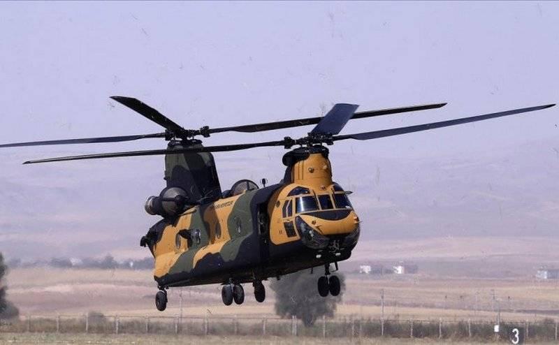 """土耳其收到最后一批军用运输CH-47F""""Chinook"""""""