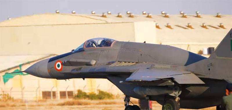 """Na Índia, anunciou a compra de MiG-29 atualizado a """"preços de barganha"""""""