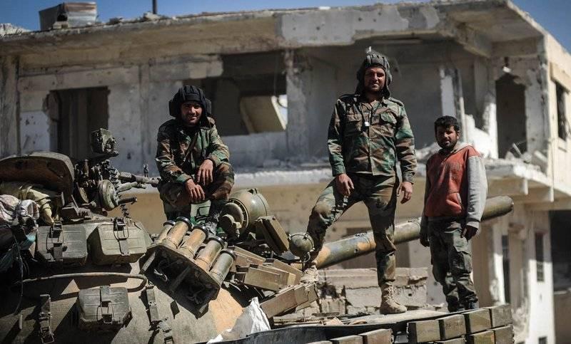 シリア軍は、Sheihunカーン周辺のリングを閉じようと試み続けています