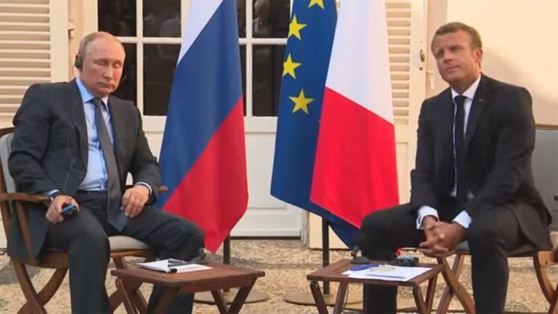 В ходе визита во Францию Путин прокомментировал протесты в России