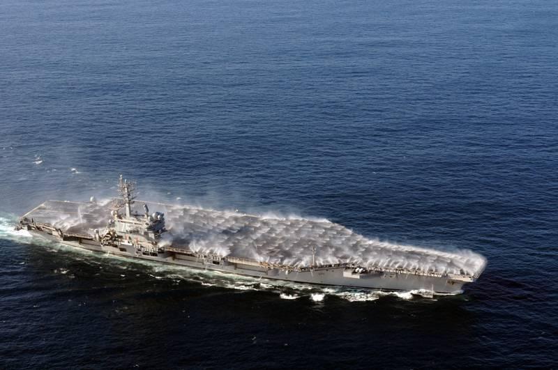 Сколько надо ракет и торпед, чтоб потопить авианосец?