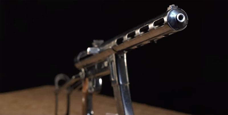 올해의 1942 모델 중 가장 희귀 한 소련 기관단총