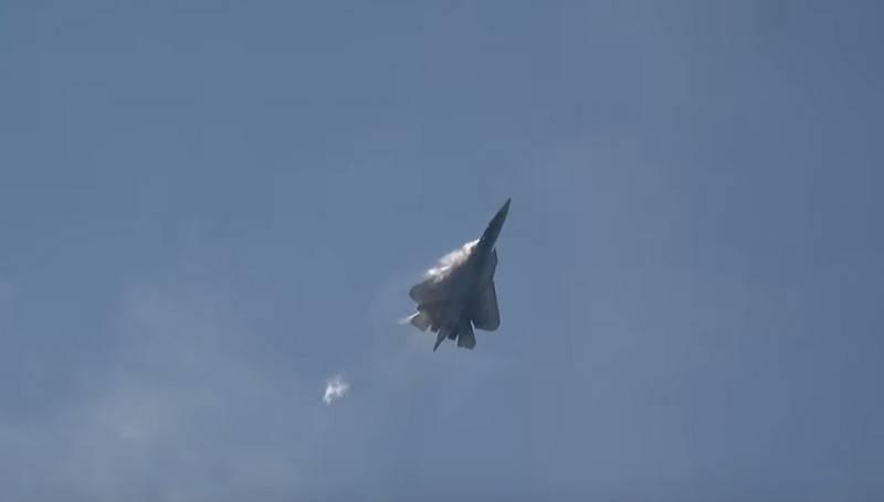 Spektakuläre Videos von Su-57-Kampfflügen wurden im Internet veröffentlicht