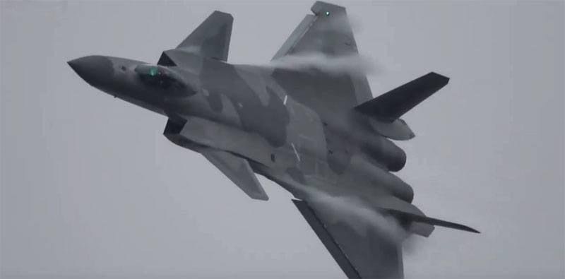 In der chinesischen Präsentation wurde J-20 zum besten Kämpfer der Welt gekürt