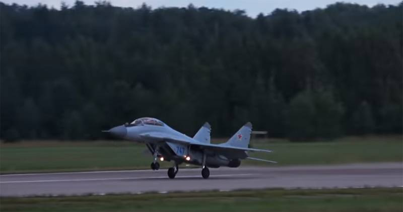 In India, explain why you need to buy the MiG-35