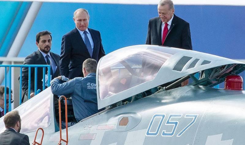 Erdogan não descarta a compra do russo Su-35 e Su-57 em vez do americano F-35