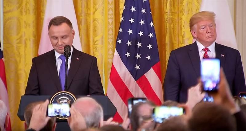Стало известно о реакции поляков на решение Трампа не лететь в Варшаву