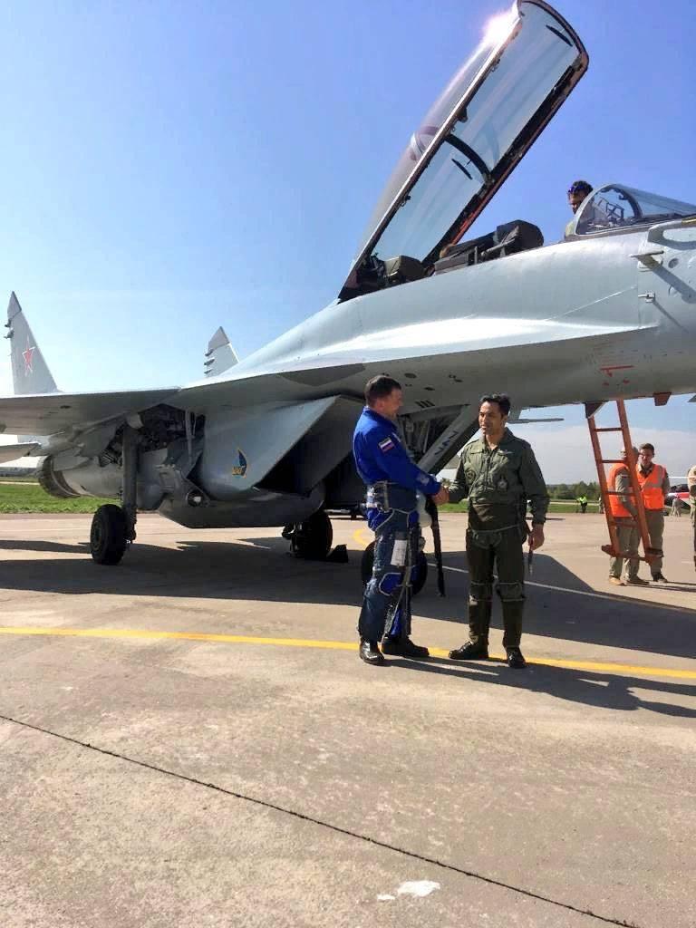 Dados confirmados sobre a pilotagem do MiG-35 por pilotos indianos na MAKS-2019