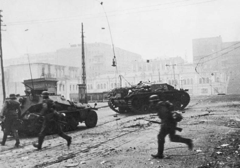 哈尔科夫战斗。 10月1941年度强迫投降哈尔科夫